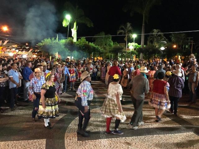 ARRAIAL DE OURO COMEMORA DIA DO PADROEIRO E MANTÉM TRADIÇÃO